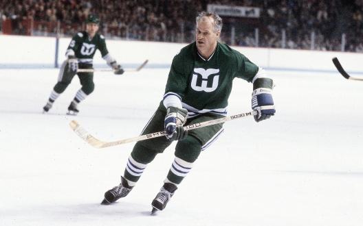 Fünf Dekaden, von 1946 bis 1980, spielte Howe Profi-Eishockey. Seine Karriere ließ er in Hartford ausklingen.